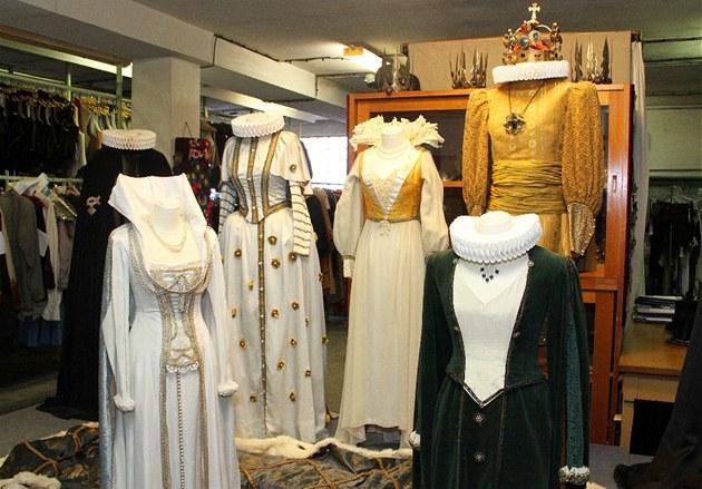 Costumes from Czech TV series Arabela (img: