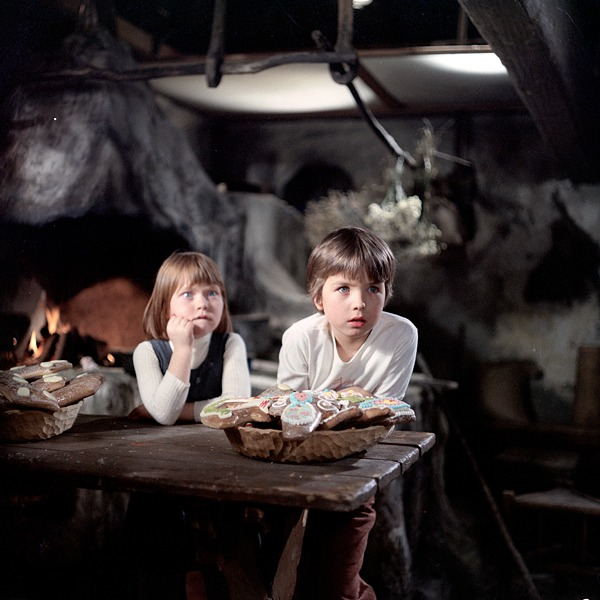 Honzík and Maruška in a fairy tale cottage